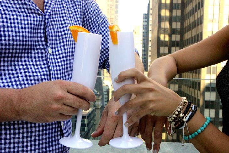 drinique-champagne-plastic-drink